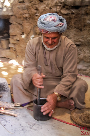 Bait Al Safah, Oman - crushing coffee beans