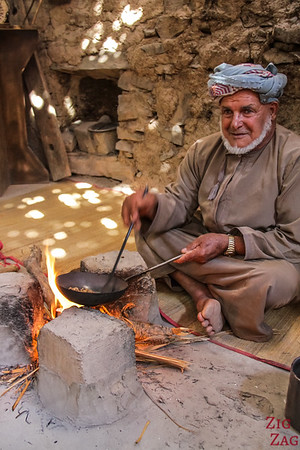 Bait Al Safah, Oman - roasting coffee beans 1