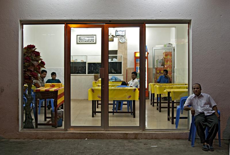 Restaurant at night, Hasik.