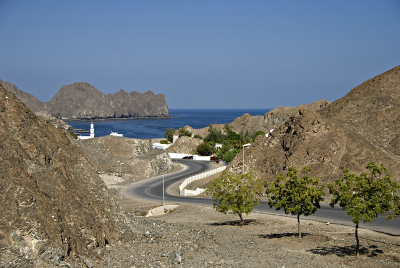 The road entering the fishing village of Haramel.