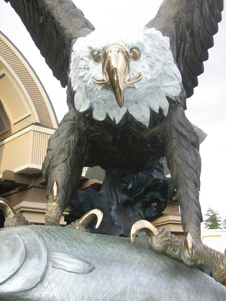 Sculpture at the entrance of the Seven Feathers Casino in Oregon