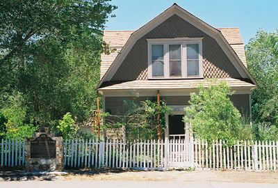 7/8/00 Mary Austin's home (historical landmark), Independence, CA