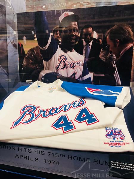 Hank Aaron Jersey - Atlanta Braves Stadium