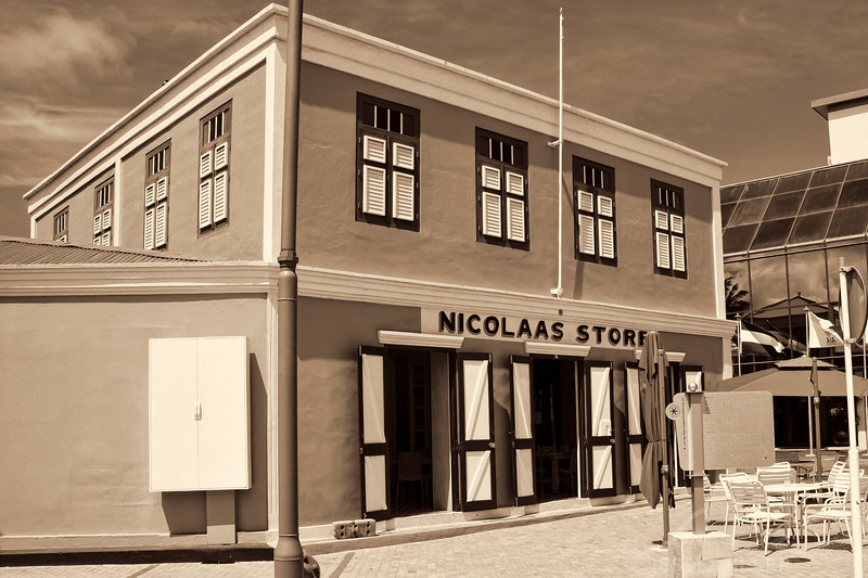 Nicolaas Store in Aruba