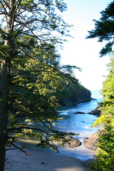 Dead Man's Cove (and it was easy to see why--lots of rocks and whirlpools).