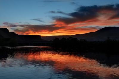 sunset over the Deschutes