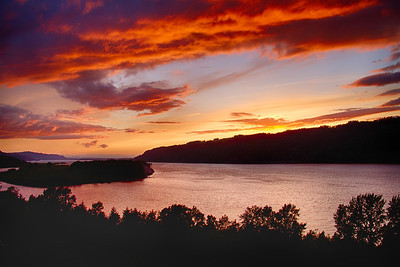 2013 - Sunset over the Columbia Gorge, Oregon