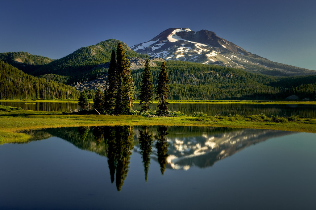 South Sister at sunrise, Sparks Lake