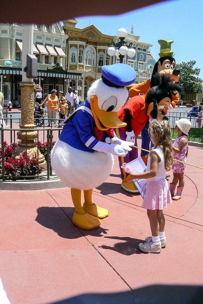 Disney-Madison May 2006 013