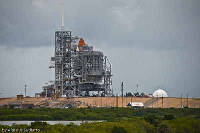 Space Shuttle Endeavor sits on the launch site for June 13th, 2009 launch (delayed to July 11th, 2009).