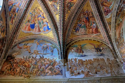 The elaborate frescoes in Madonna di San Brizio tell Biblical stories of punishment, conflict and ascent to heaven.
