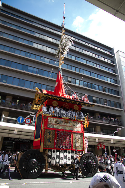 The Yamaboko parade featured giant floats weighing more than a dozen tons and more than 75 feet in height.
