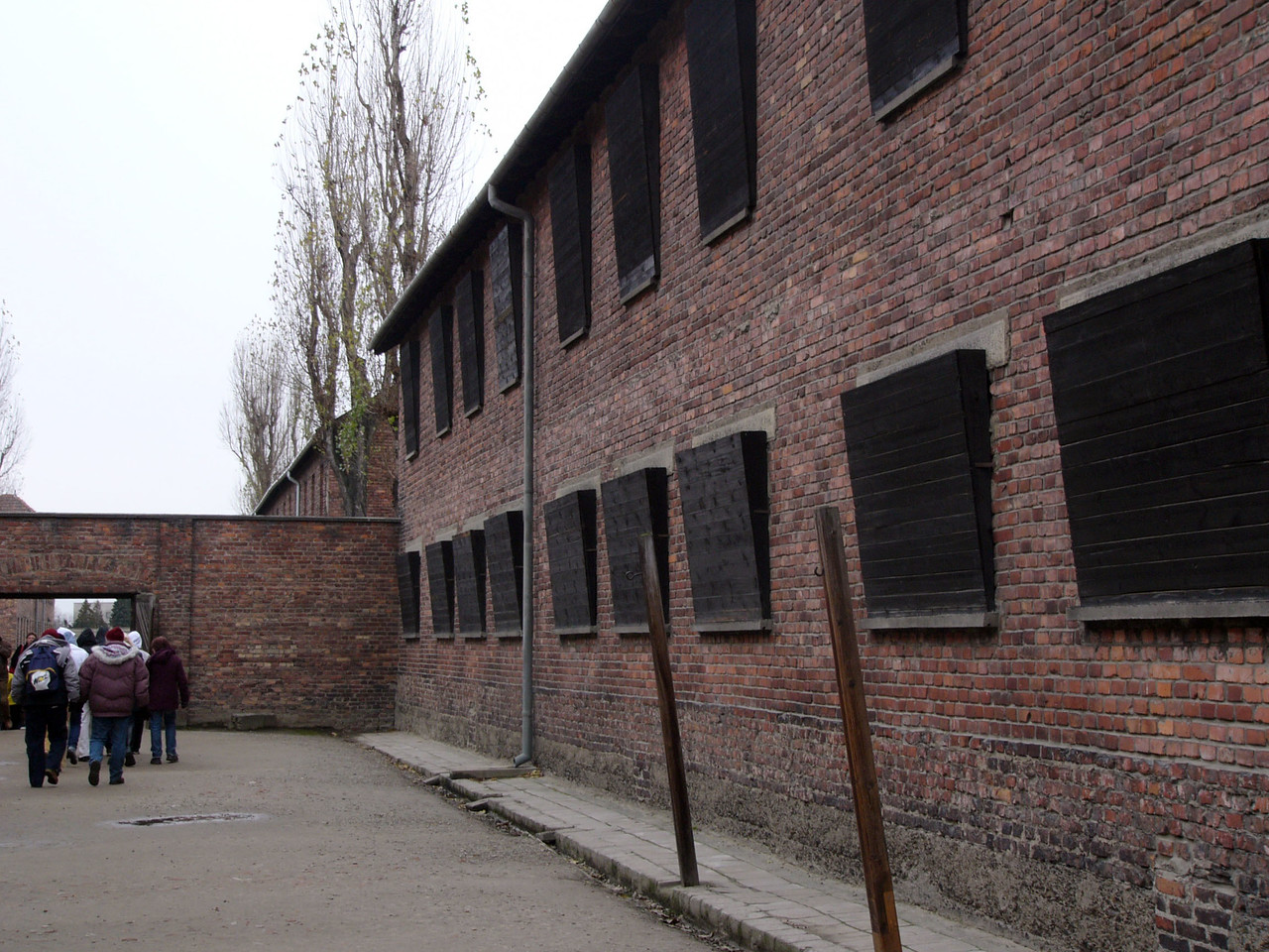 The windows of Block 12 (hospital and medical experimentation) were boarded to hide the executions occurring in the courtyard.