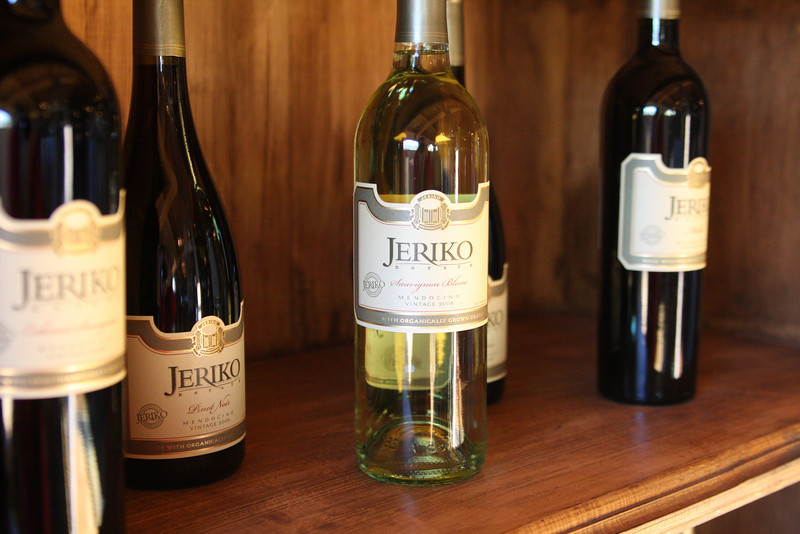 "Jeriko Estate produces a full line of wines from their beautiful tasting room on Highway 101 south of Ukiah. <a href=""http://www.jeriko.us/"">http://www.jeriko.us/</a>"