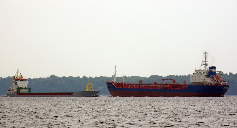 Ships passing on the St. Lawrence Seaway
