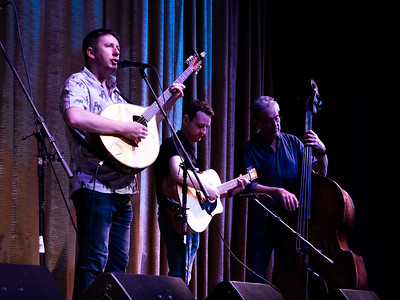 Up and coming singer, Daoiri Farrell, makes a guest appearance with Lunasa.