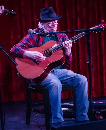 Great Irish guitarist Arty McGlynn.