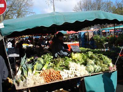 St Quentin market April 2005