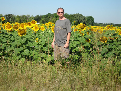 Here is Al outstanding in his field, on our way to visit Al's sister Laura and her family at the lake for a day of fun.