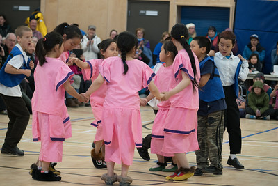 Children of Gjøa Haven dancing.