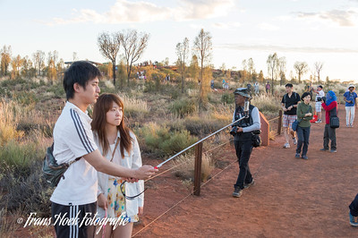 To much tourists at Ayers Rock