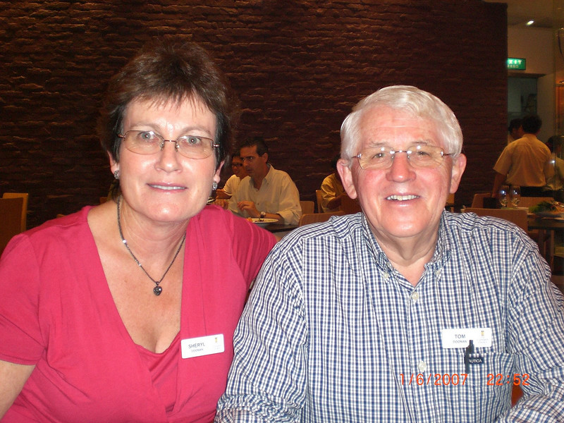 Dinner with Sheryl & Tom Doonan from NZ, with whom SP has shared the last 3 Captain's Choice charter tours.