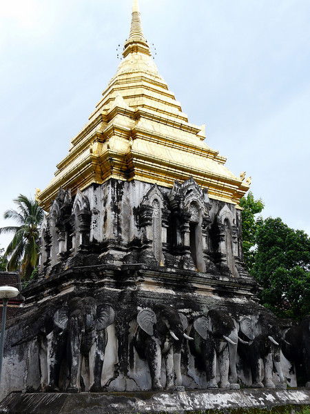 There are two wiharns (prayer halls) in Wat Chiang Man. Behind the main wiharn, stands an elegant chedi; the base of which is lined with fifteen,life-size elephants crafted out of plaster.