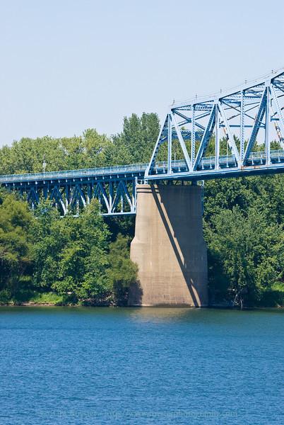 North side of Ohio River bridge in Owensboro, Ky.