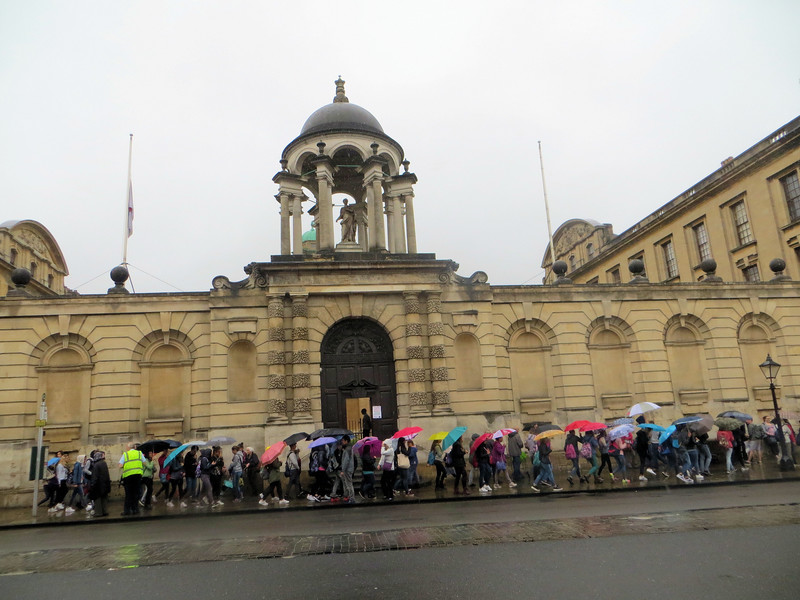 Next we went across the street to The Queen's College:  you must include the The, sort of like THE Ohio State University...only classier.  This picture shows some of the crowds that were out on this rainy Saturday taking advantage of Oxford Open Doors.