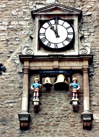 Fortus est veritas clock Oxford England - Jul 1996