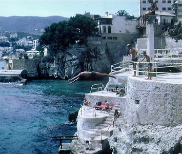 BAR SOLARIUM- First Beach outside of Palma in Cala Mayor- Had 3 levels, Roman Columns, Pool with sea water and spectacular view of Mediterranean. That is quite a high dive! In 1986 this area was replaced by Condos!