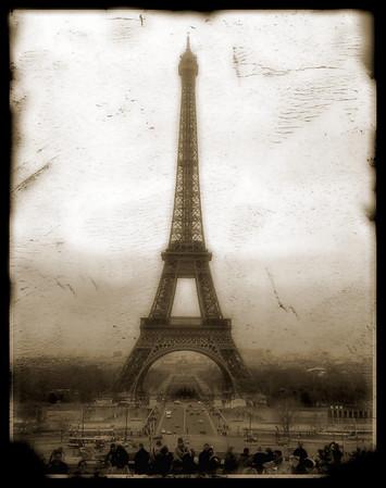 EiffelAntiquePhotoStyle