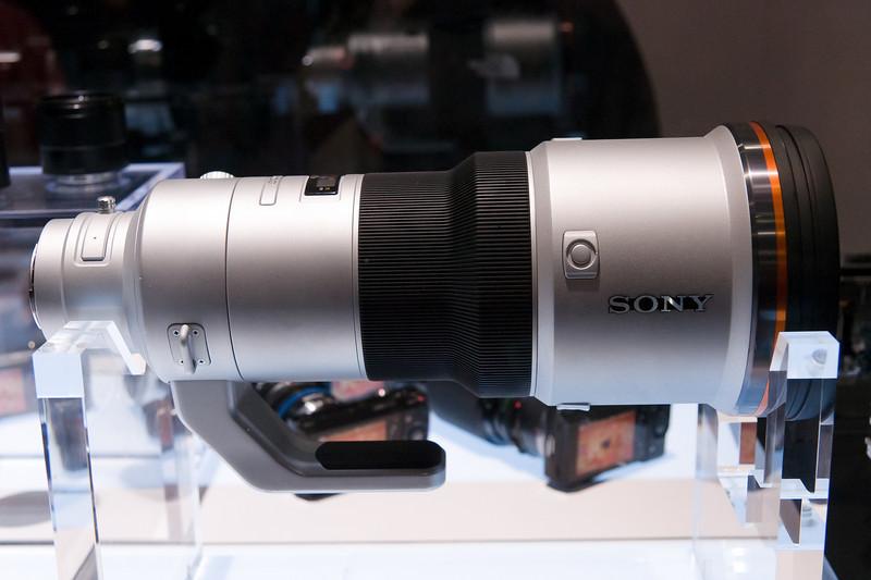 The Sony 500 f/4 G mockup.