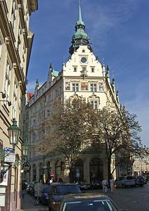 Hotel Paris, Obceni St.