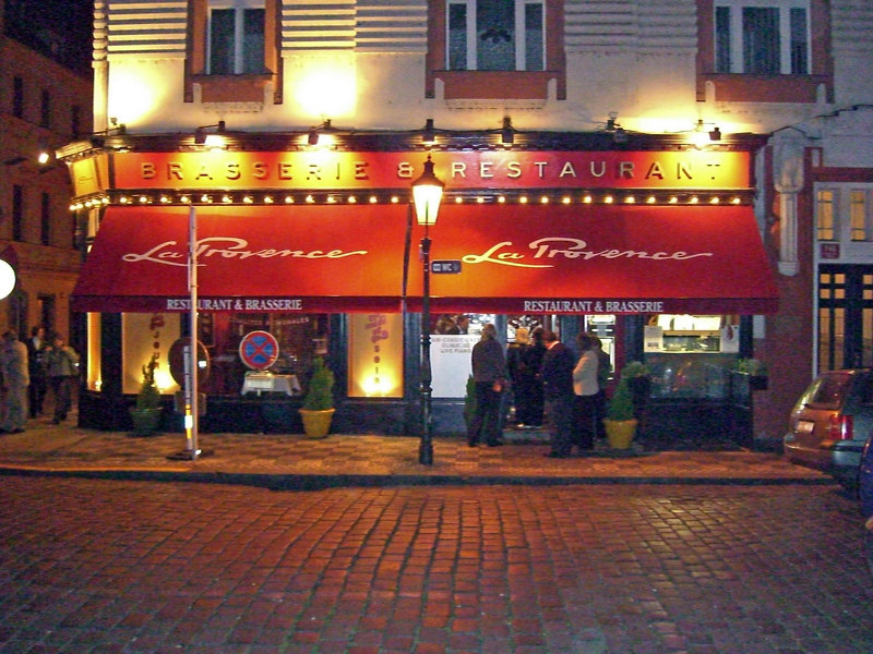 Enjoyed a marvelous fish dinner at La Provence on Stupartska St. One of the few restaurants with a dedicated (but small) no-smoking section.