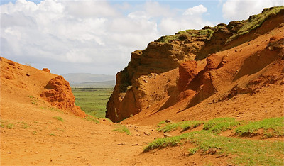 Kraterwand van vulkaan Rano Raraku. Paaseiland (Rapa Nui), Chili.