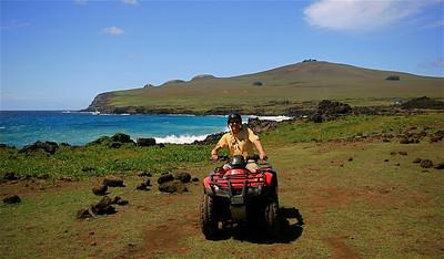 Quad-fun @ Bahia La Perouse. Paaseiland (Rapa Nui), Chili.
