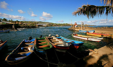 Het vissershaventje van Hanga Roa. Paaseiland (Rapa Nui), Chili.