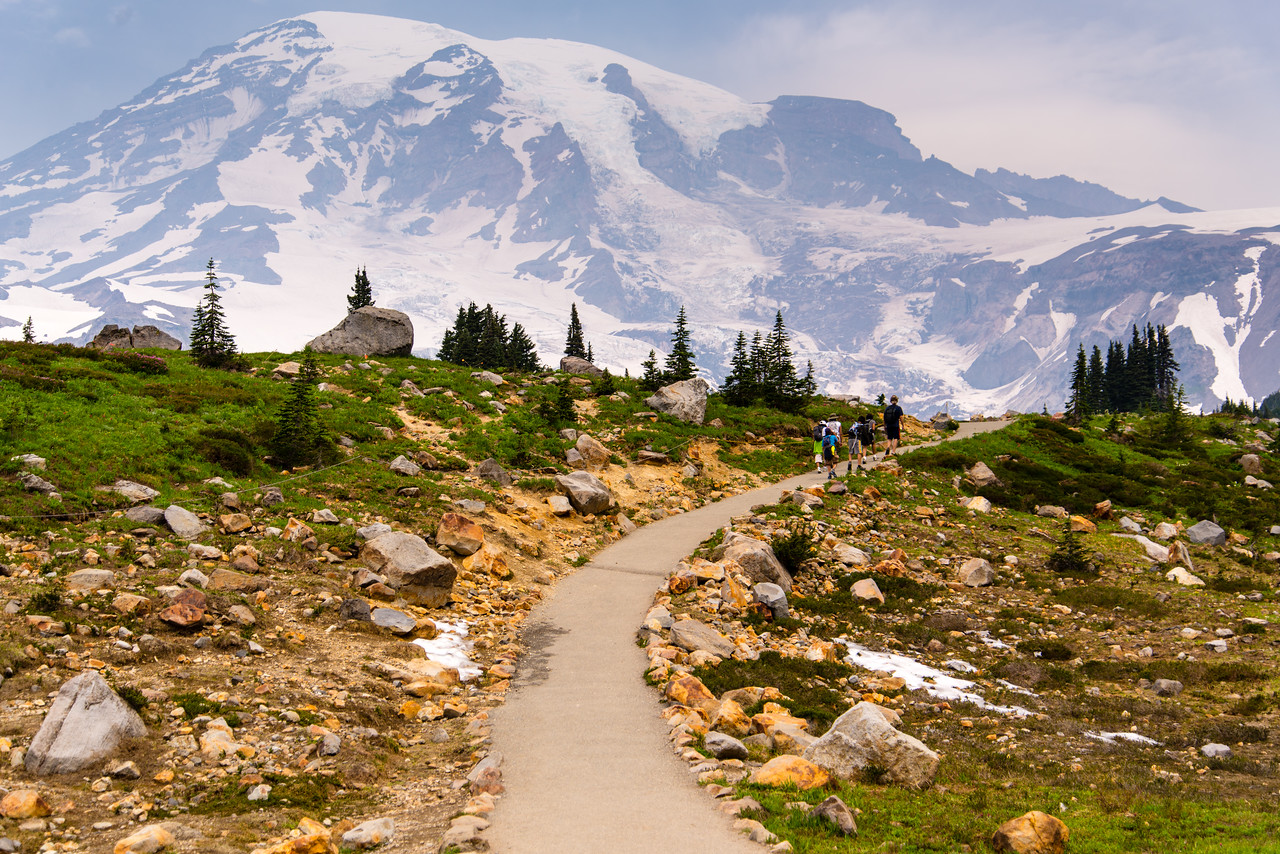 The views of Mt. Rainier from the Skyline Trail