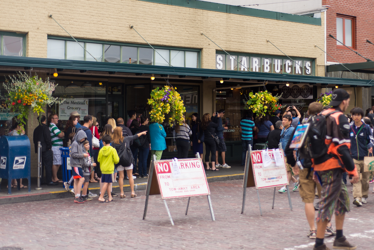 The original Starbucks… and the line to go in.