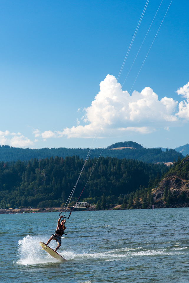Kiteboarding at Hood River