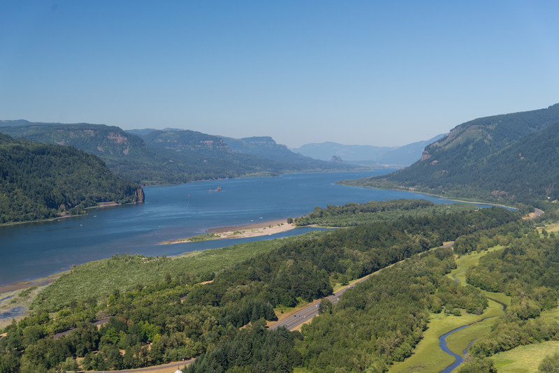 Upstream of the Columbia River from Vista House