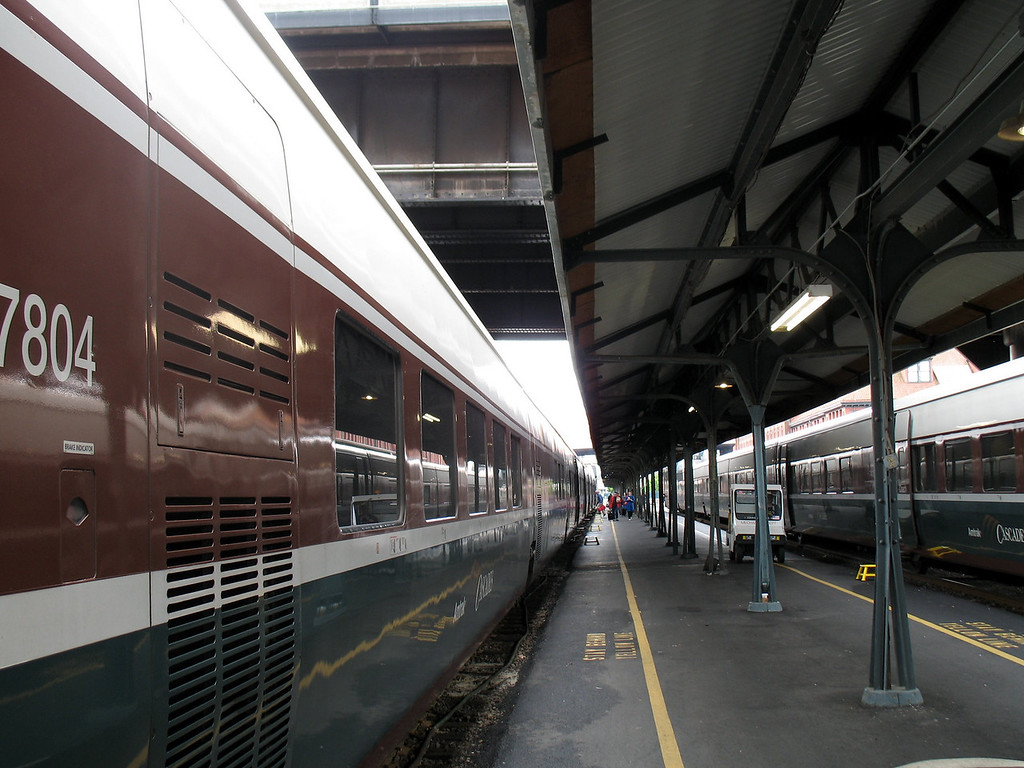 Amtrak Cascades, PDX Union Station. Image Copyright 2006 by DJB.  All Rights Reserved.
