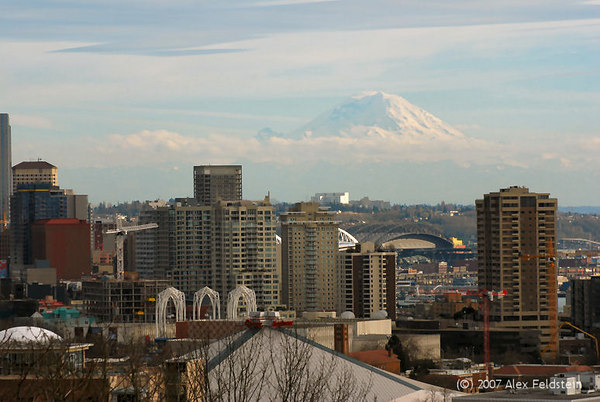 Seattle skyline, from Kerry Park. Mt. Rainier in the distance.