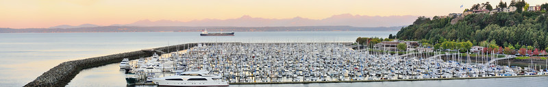 Elliott Bay Marina at the south tip of Magnolia - Seattle<br />  (original - 9mb - 11-shot pano)
