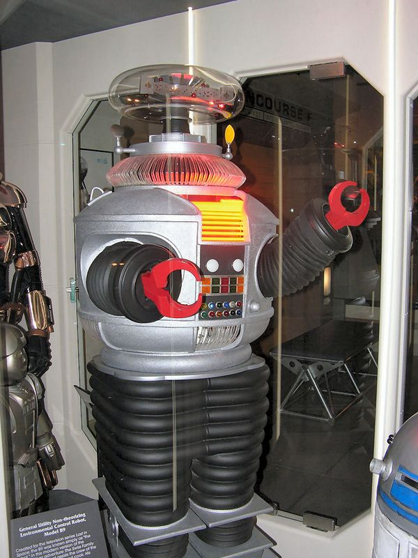 "The robot from lost in Space - Seattle Sci Fi Museum<br /> ""Danger Will Robinson!"""