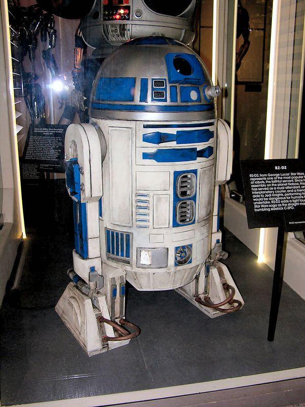 R2D2 - Star Wars - Seattle Sci Fi Museum