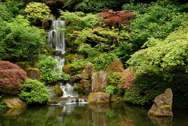 Our first day in Portland was overcast, so it was a nice day to visit the Japanese garden. (Portland Japanese Garden, Portland, OR)
