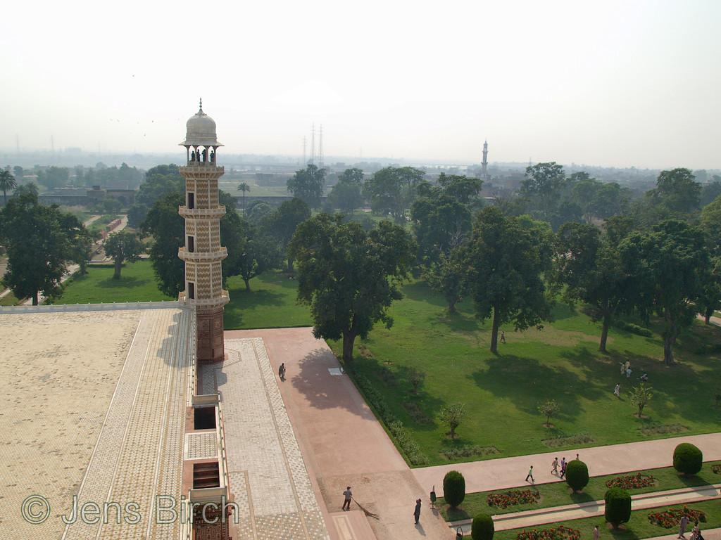 Minaret at Tomb of Jahangir, Lahore