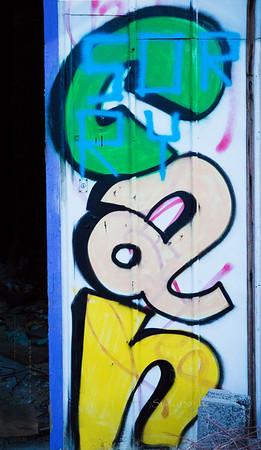 Can_ graffiti on Graffiti 6703